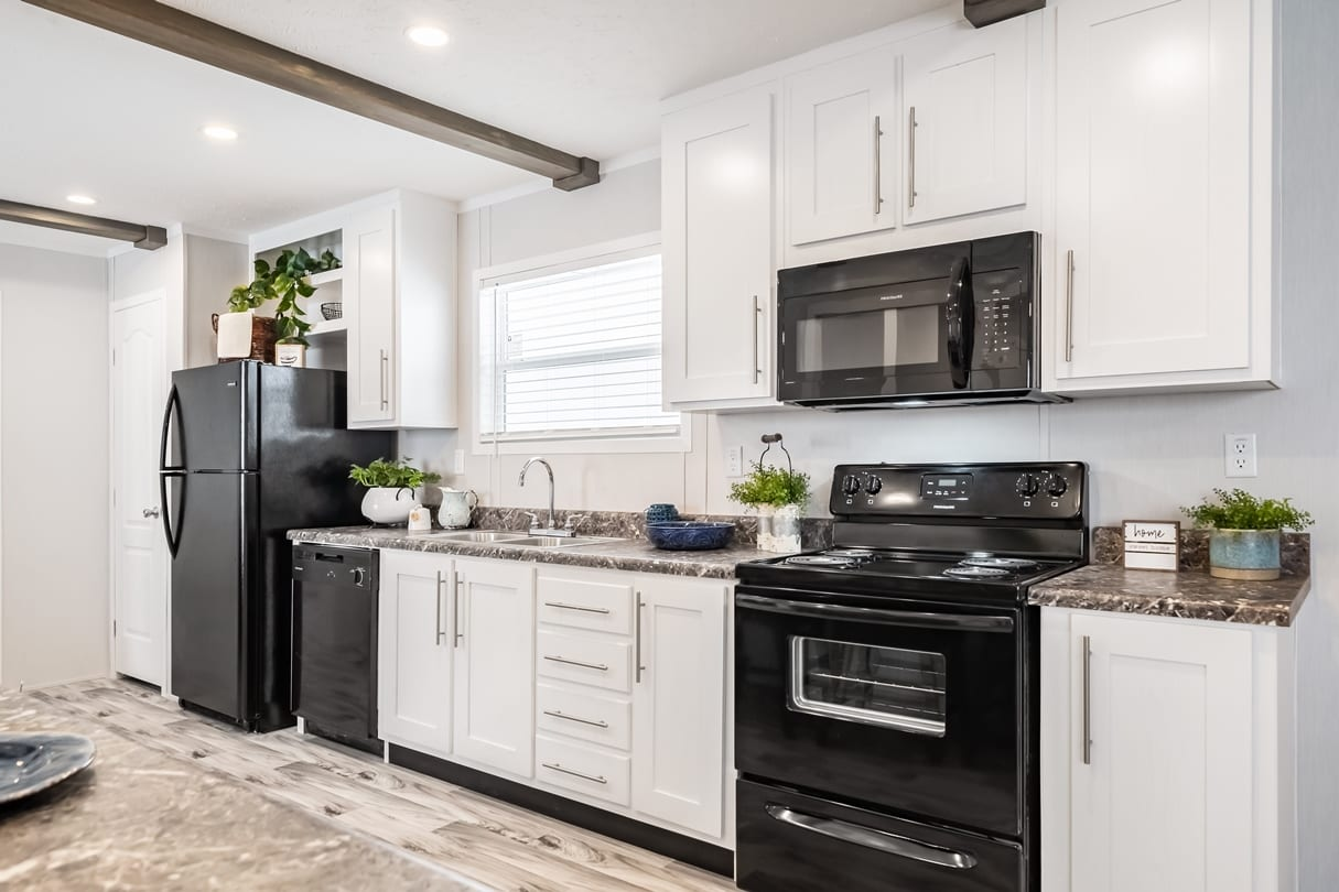 C-Kitchen-Area-Lansing-04_1592414952562